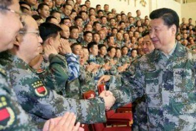 चिनियाँ जनमुक्ति सेनाको साथमा राष्ट्रपति सि जिनपिङकाे फाेटाे