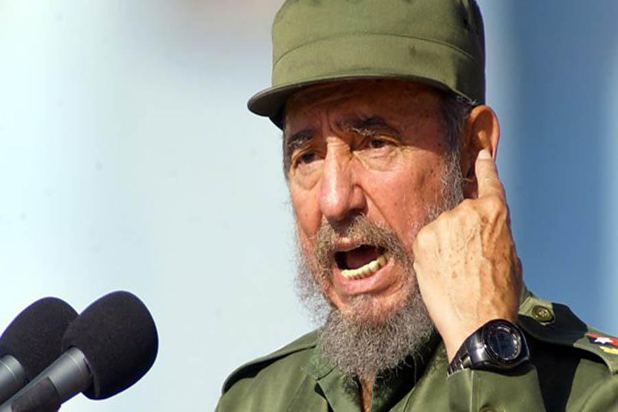 क्युबाली क्रान्तिका महानायक तथा तत्कालीन राष्ट्रपति कमरेड फिडेल क्यास्ट्रो रुज सन् १९९९ मा गणतन्त्र भेनेजुयलाको भ्रमणका क्रममा काराकास विश्वविद्यालयमा ऐतिहासिक मन्तव्यको दिँदै गर्रदाकाे फाेटाे