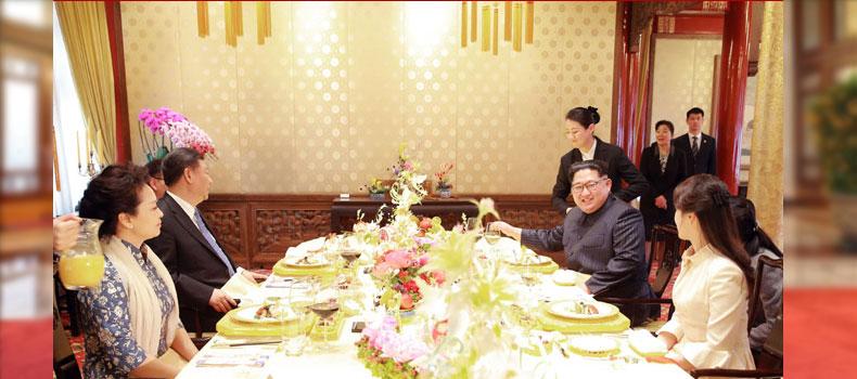 Kim Jong Un and Xi Jinping in Launcheon