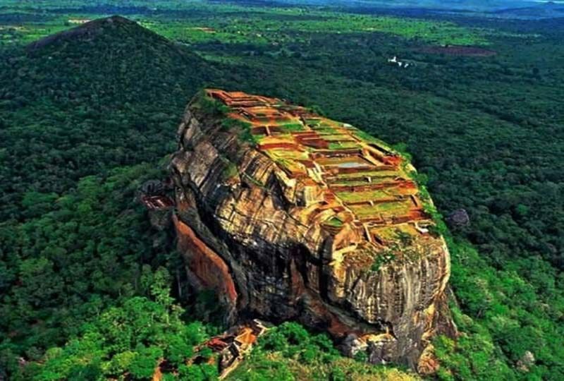 Ranagil Cave at 8000 ft in srilanka where Ravana's dead body is supposed to be mummified.