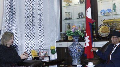 अध्यक्ष प्रचण्डसँग बेलायती राजदूत पोलिटको शिष्टाचार भेट